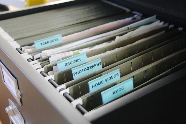 Домашняя карцелярия как помогают упорядочить жизнь планы и  Ящик с папками